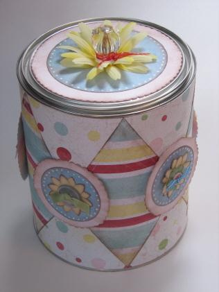 Daisy D paint can